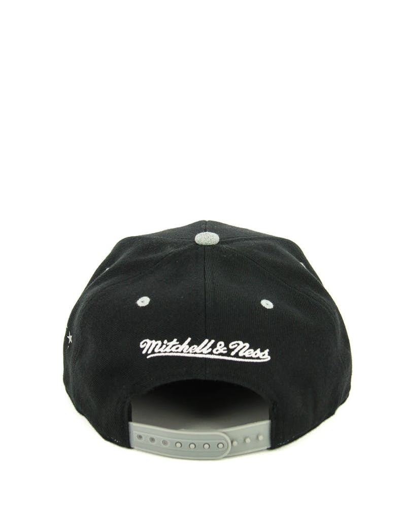 Mitchell & Ness Kings Greytist Snapback Black/grey