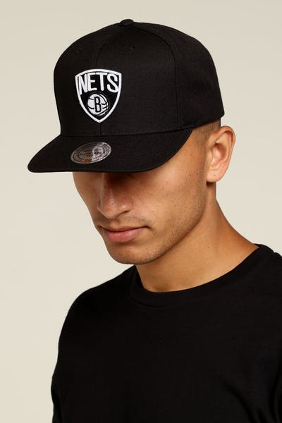 Mitchell & Ness Brooklyn Nets Logo High Crown Snapback Black/White