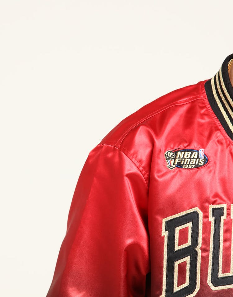 e64073d6 Mitchell & Ness Chicago Bulls Chinese New Year Satin Jacket Red/Black