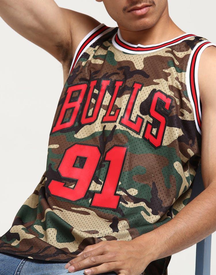 7cd00f6b2 Mitchell & Ness Chicago Bulls Dennis Rodman #91 Swingman NBA Jersey Camo