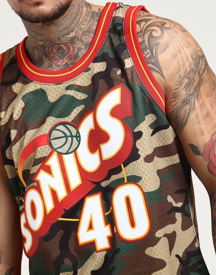 1d253460a26 Mitchell   Ness Seattle Supersonics Shawn Kemp  40 Swingman NBA Jersey Camo
