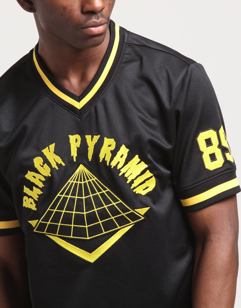 BLACK PYRAMID – Culture Kings