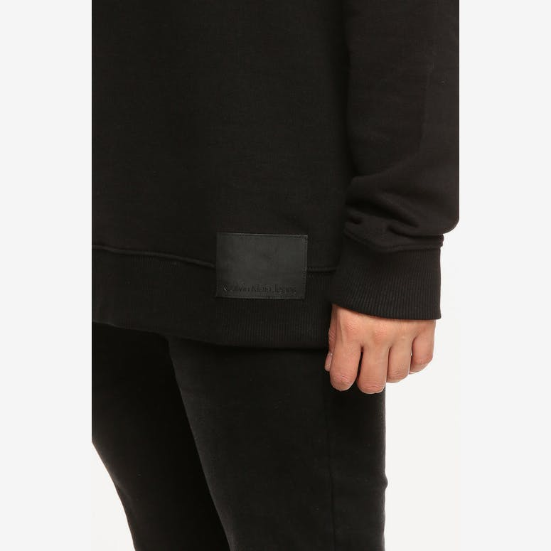 CALVIN KLEIN LOGO PATCH OVERSIZED CREW BLACK