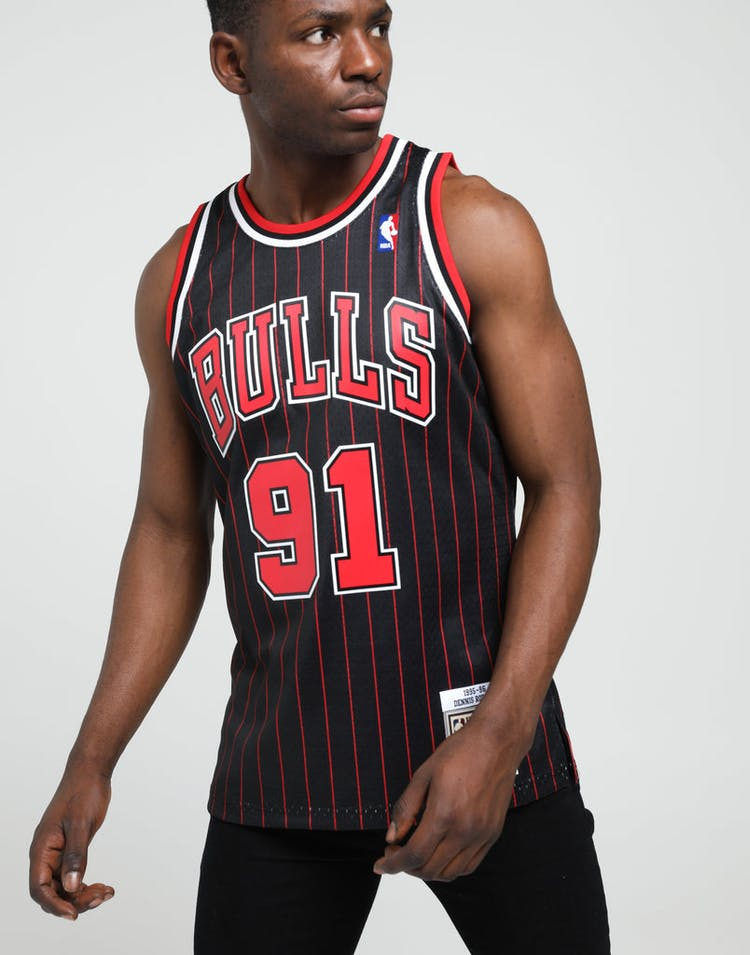 buy popular ce616 bb7a8 Mitchell & Ness Chicago Bulls Dennis Rodman #91 NBA Swingman Jersey  Black/Red