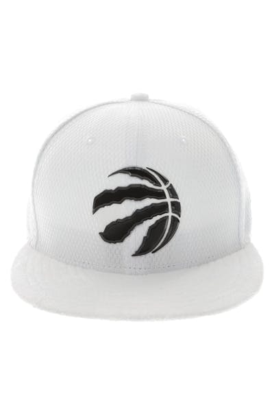 New Era Toronto Raptors 59FIFTY Fitted On-Court Collection Draft White