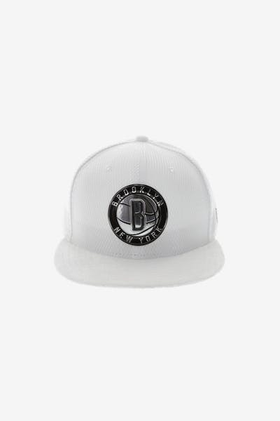 New Era Brooklyn Nets 59FIFTY Fitted On-Court Collection Draft White