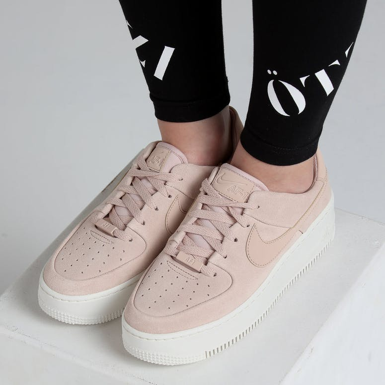 Nike Women's Air Force 1 Sage Low Beige/White