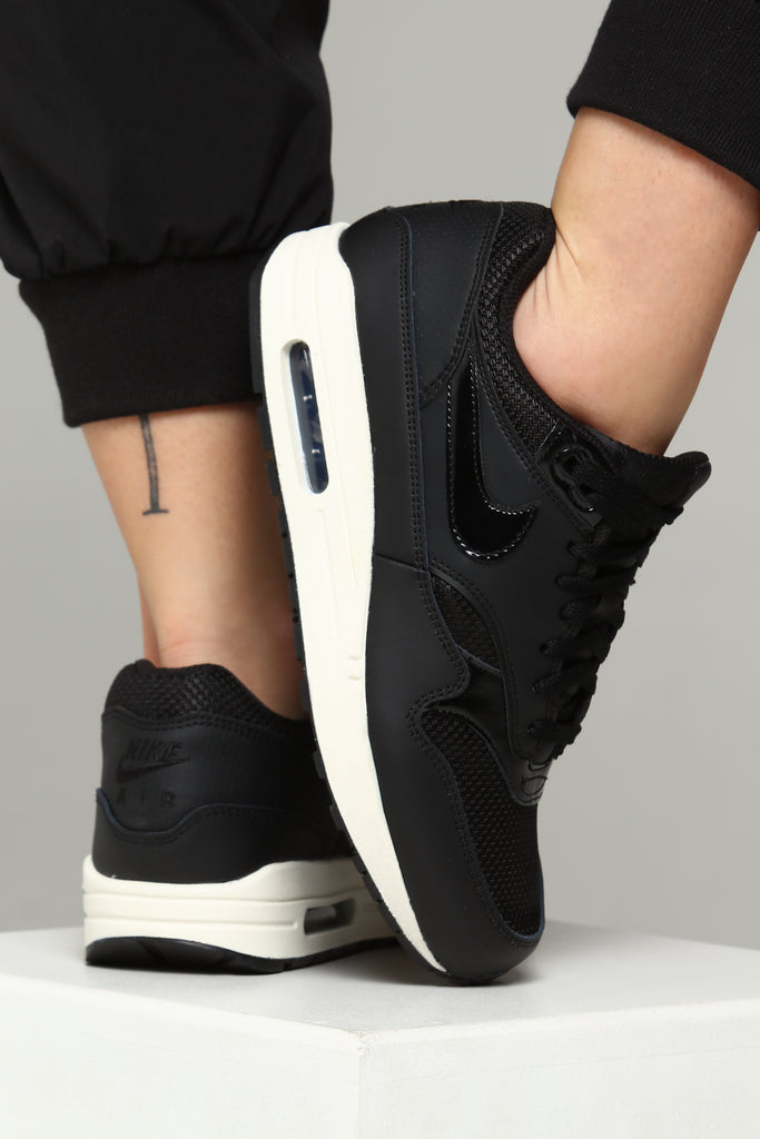 Details about Nike Women's Air Max 1