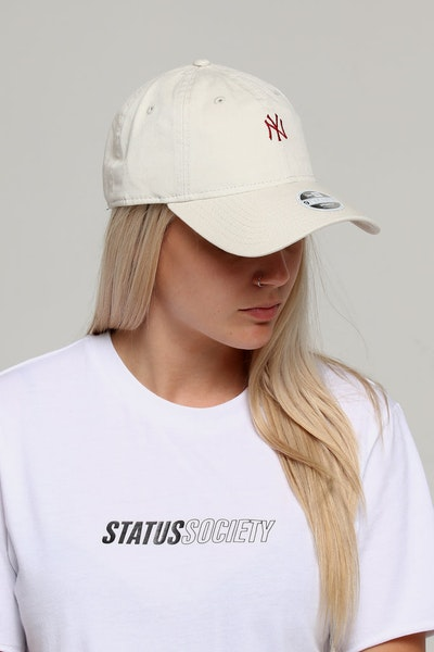 New Era Women's New York Yankees 9TWENTY Strapback Ivory