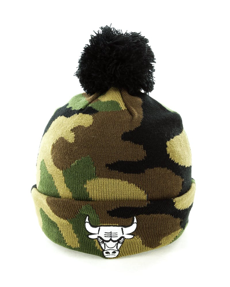 New Era Chicago Bulls Pom Knit Beanie Camo