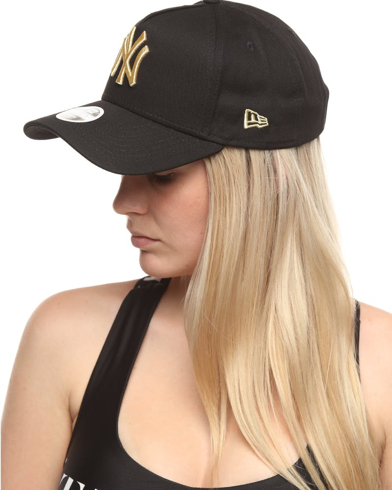 New Era Women's New York Yankees 9FORTY A-Frame Strapback Black/Gold