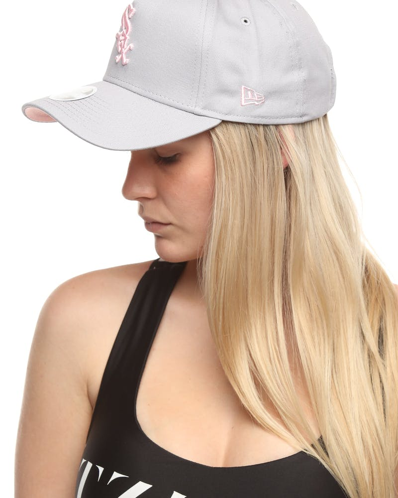 New Era Women's Chicago White Sox 9FORTY A-Frame Strapback Grey/Pink