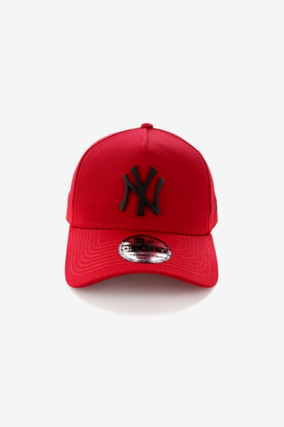 New Era New York Yankees CK 940 A-Frame Metal Badge Snapback Scarlet/Black