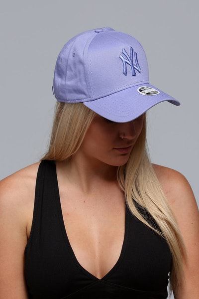 New Era Women's New York Yankees CK 940 A-Frame Strapback Pastel Purple