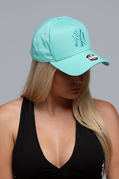 New Era Women's New York Yankees CK 940 A-Frame Strapback Pastel Green
