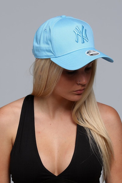 New Era Women's New York Yankees CK 940 A-Frame Strapback Pastel Blue