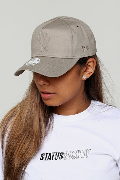 New Era Women's New York Yankees CK 9FORTY A-Frame Strapback Taupe