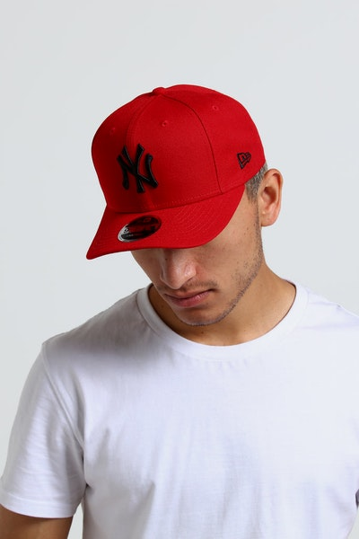 New Era New York Yankees 9FIFTY Original Fit Precurved Snapback Scarlet/Black