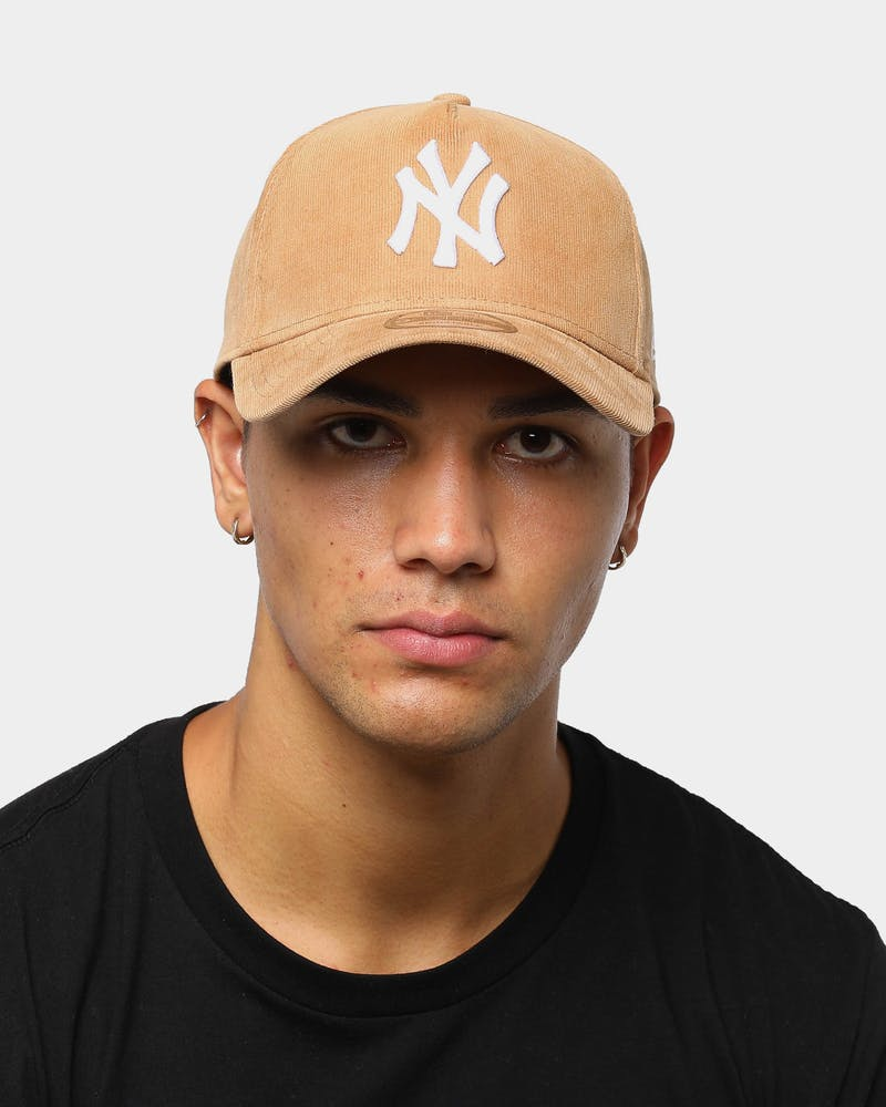 New Era Men's New York Yankees Cord 9FORTY A-Frame Snapback Wheat/White