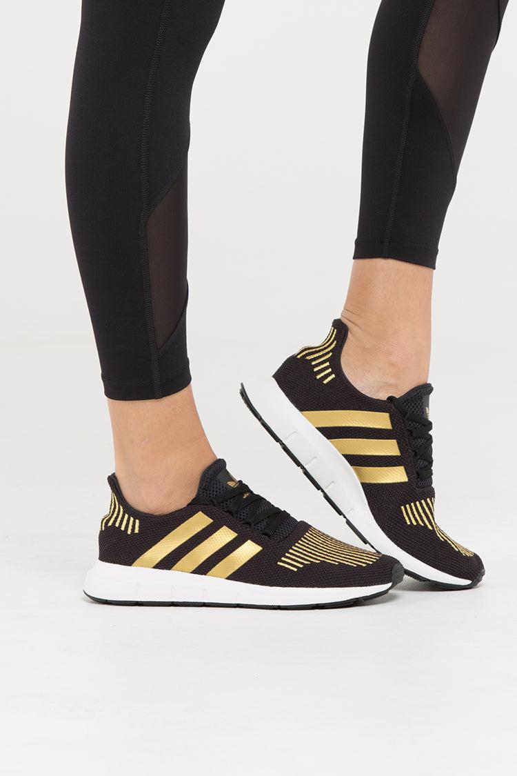 adidas women's swift run black