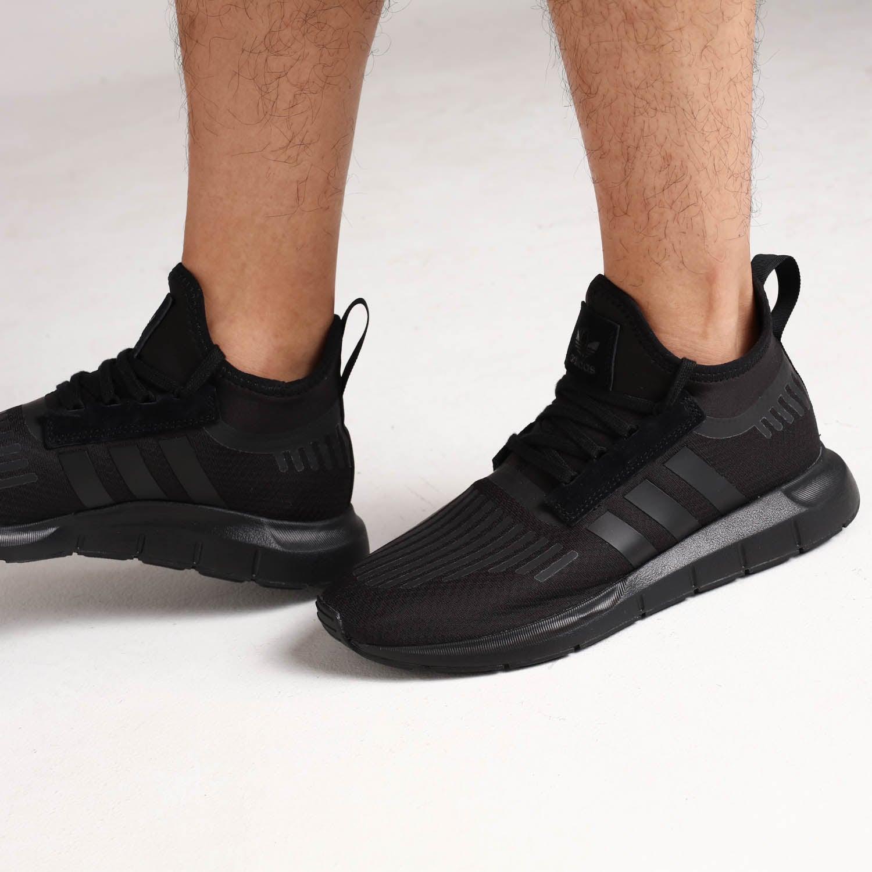 Adidas Swift Run Barrier Black/Black