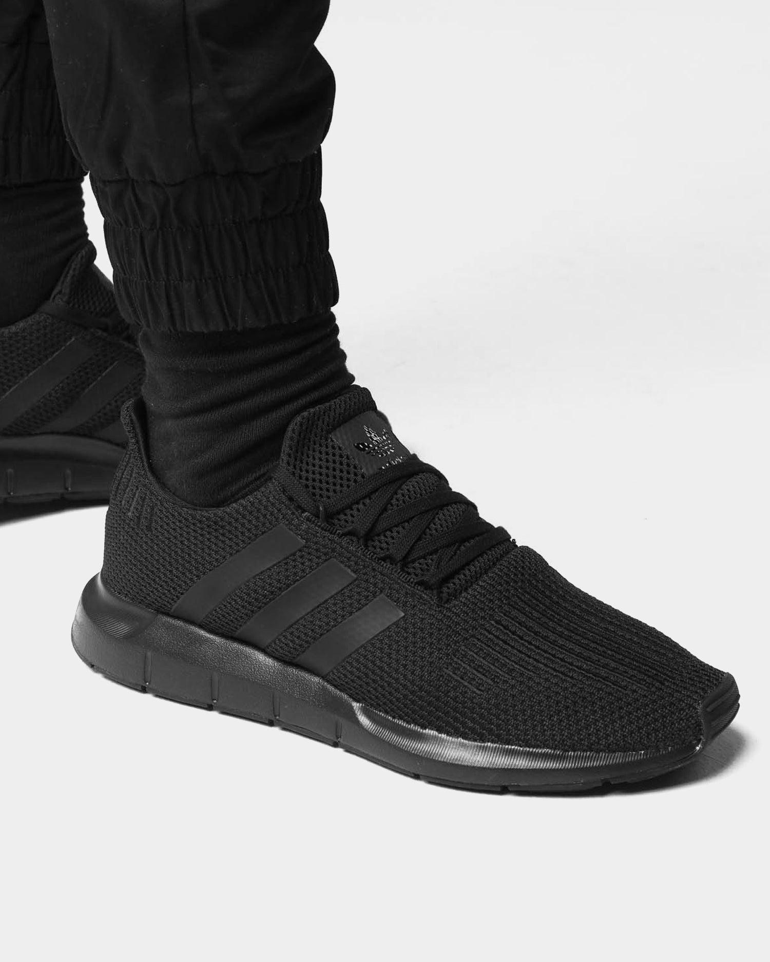 Adidas Swift Run Black/Black | Culture