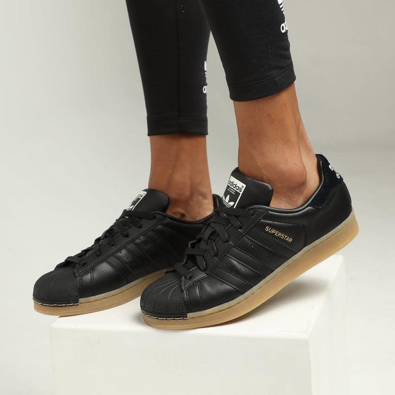 adidas superstar black gum