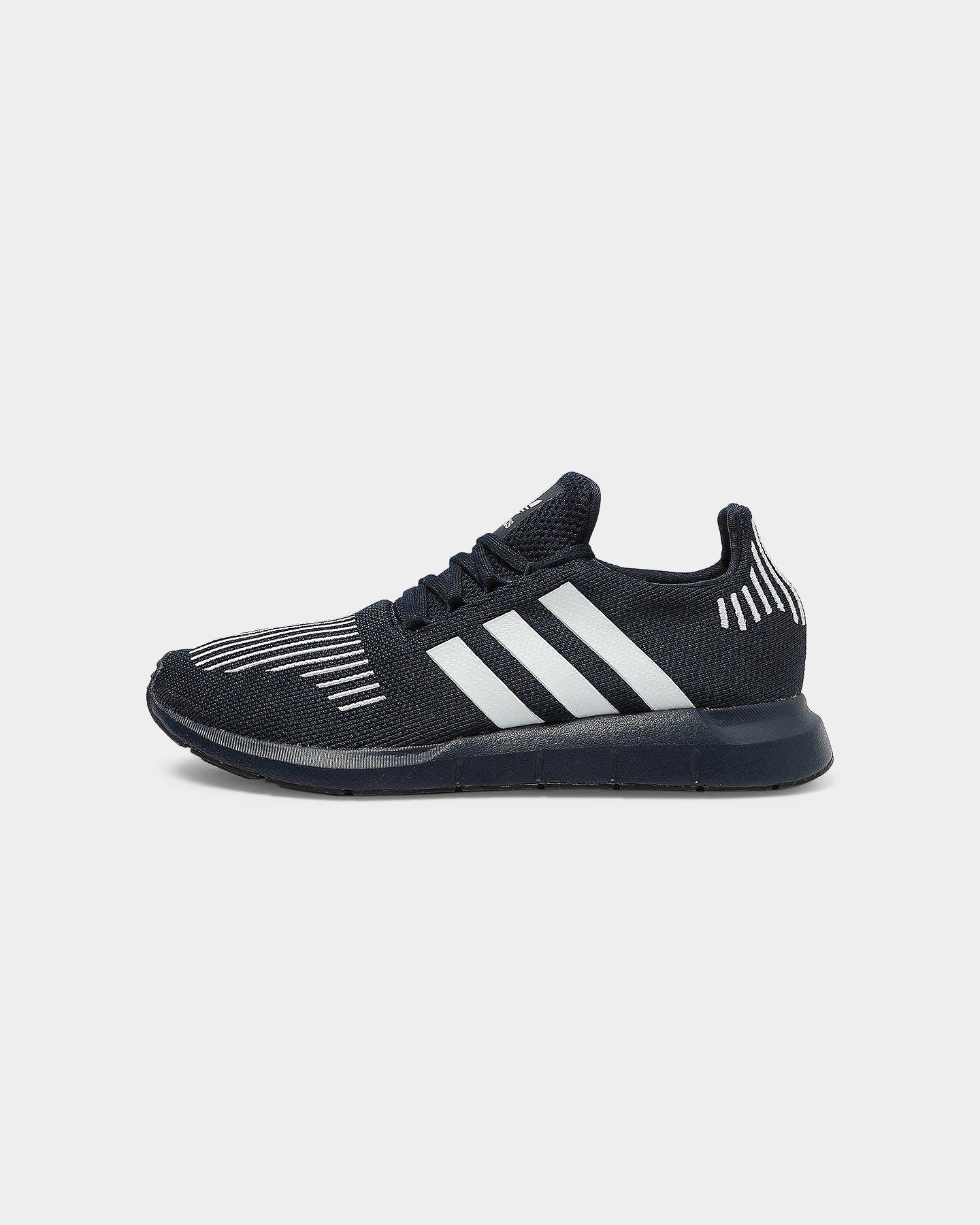 Énfasis escapar satisfacción  Adidas Swift Run/Navy/White/Black | Culture Kings US