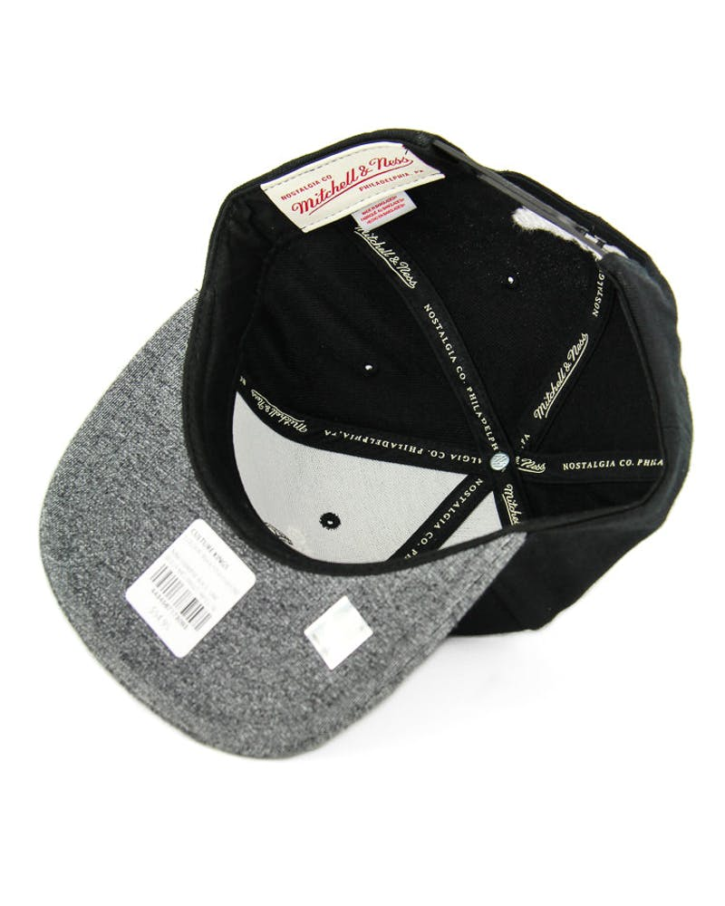 Mitchell & Ness Bulls Melangle Infill Snapback Black/charcoal
