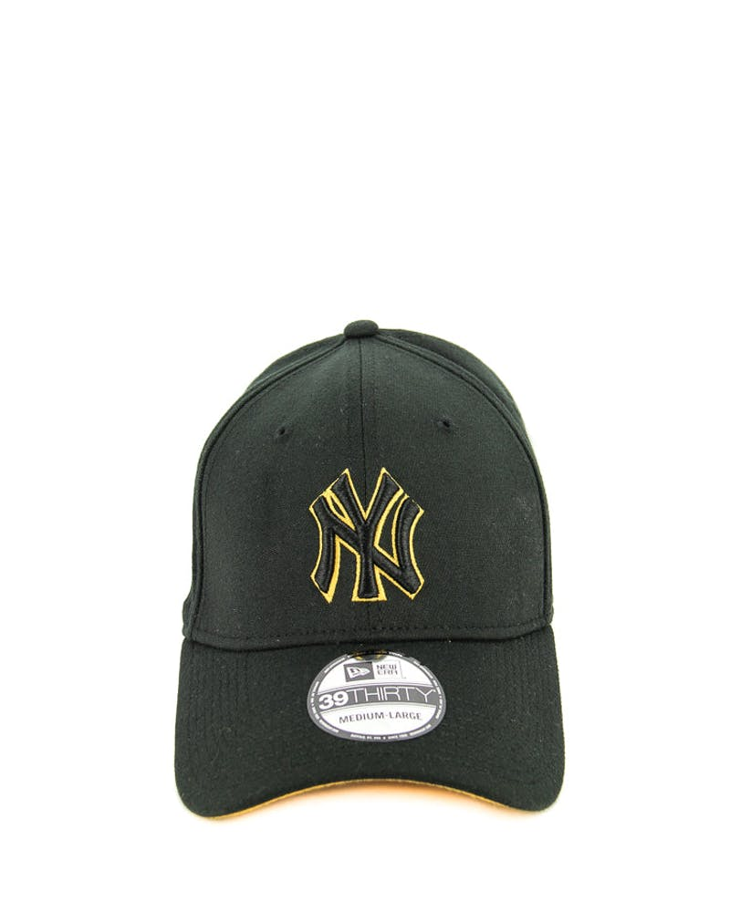New Era Yankees 2 Tone Outline 3930 Black/gold