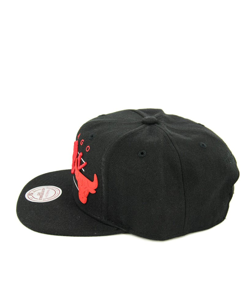 Mitchell & Ness Bulls Script Rubber Badge ST Black
