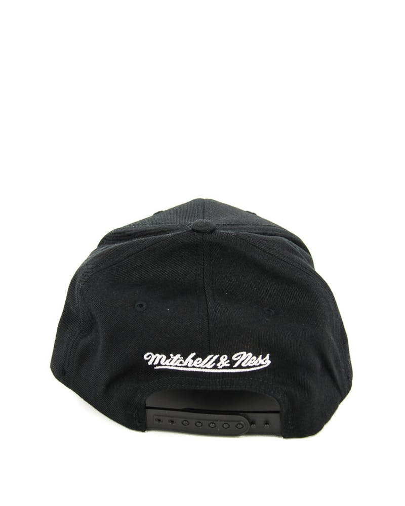 Mitchell & Ness Heat 110 BW Logo Snapback Black/white