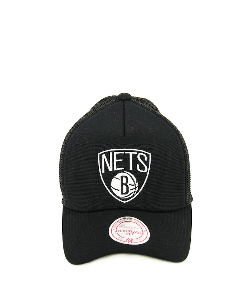 Mitchell & Ness Nets BW Logo 110 Trucker Black/white