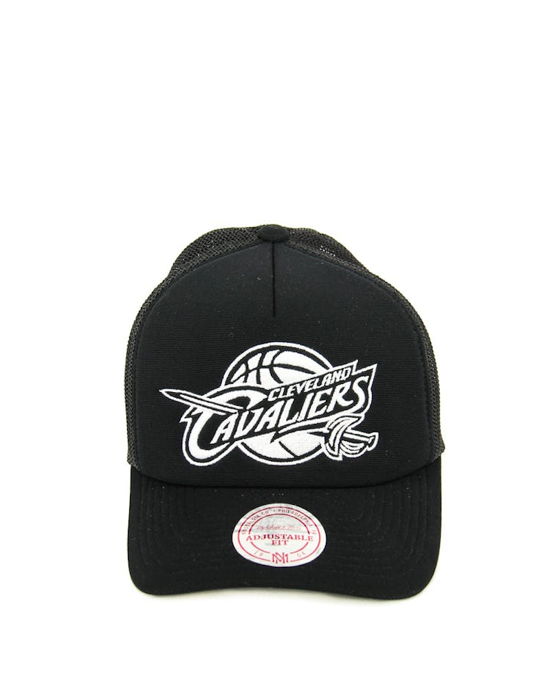 Mitchell & Ness Cavaliers BW Logo 110 Trucker Black/white