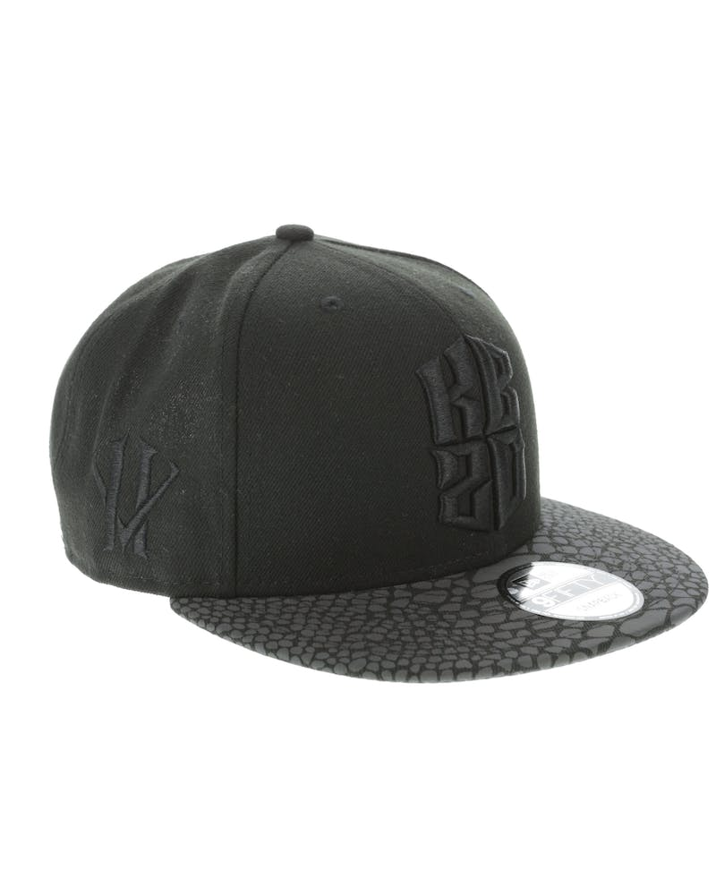 New Era Kobe Bryant Hero Villain 9FIFTY Iridescent Snapback Black