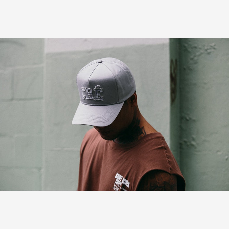 Team Precurved Strapback Light Grey