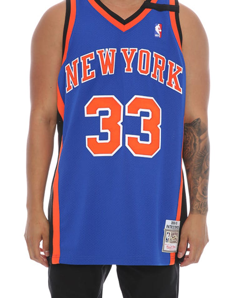 hot sales a0e5a 6943d Mitchell & Ness New York Knicks Patrick Ewing '33' Authentic Hardwood  Classics 98-99 Jersey