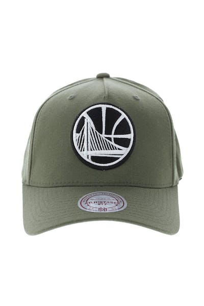 separation shoes 6e17c a05ff Mitchell   Ness Golden State Warriors 110 Pinch Snapback Olive ...
