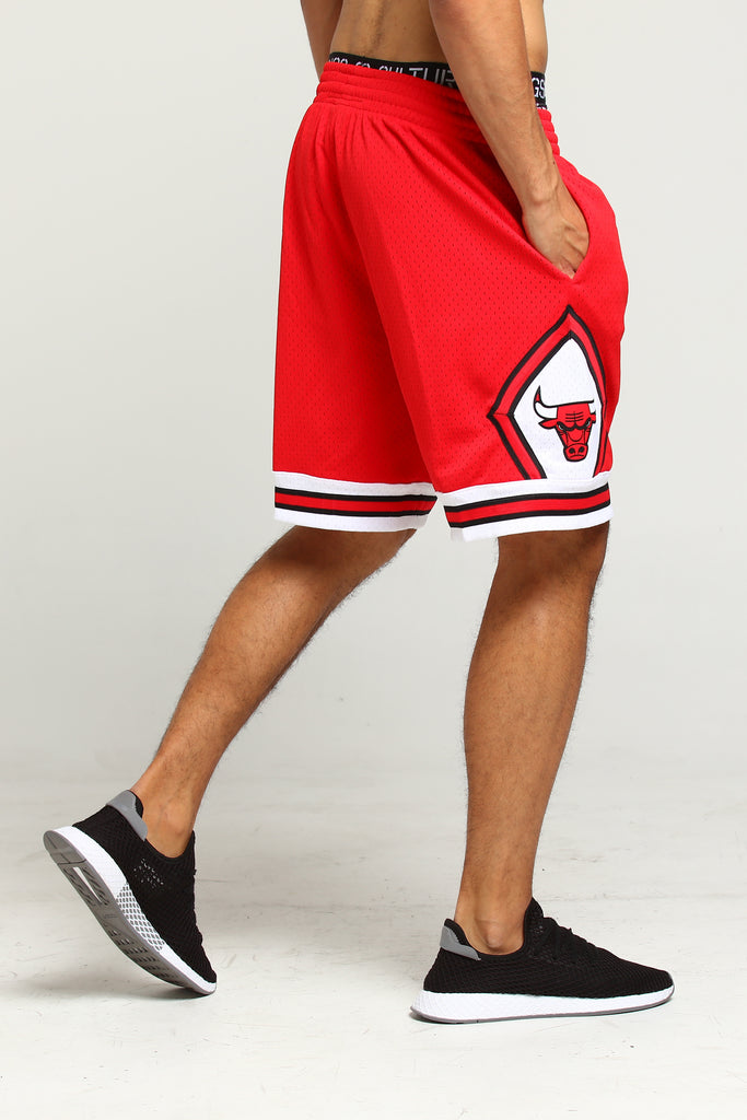 Mitchell & Ness Chicago Bulls 9798 Swingman Shorts Red
