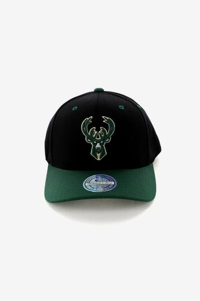 Mitchell & Ness Milwaukee Bucks Team Logo 2 Tone 110 Snapback Black/Green