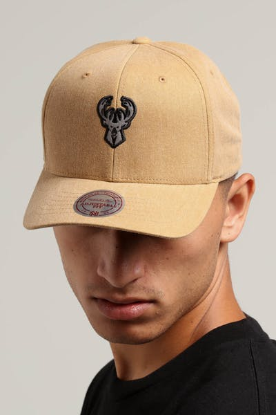 Mitchell & Ness Milwaukee Bucks The Washed Heather Snapback Brown