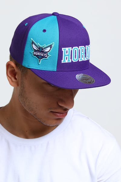 Mitchell & Ness Charlotte Hornets Hexagon Snapback Purple/Teal