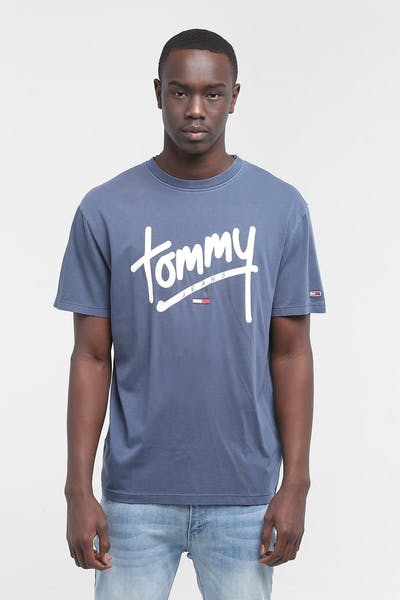 TOMMY JEANS TJM HANDWRITING TEE BLACK IRIS