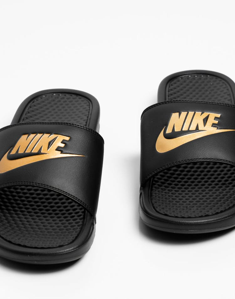 f7efe1ccd856 Nike Benassi