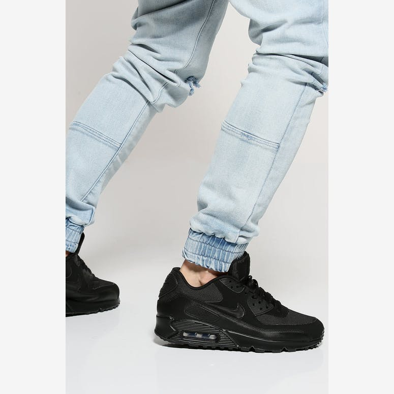 c838e231e17 Nike Air Max 90 Essential Black Black