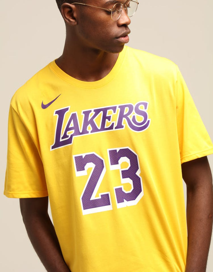 online retailer a586f e98a3 Nike Los Angeles Lakers Lebron James #23 Dri Fit Tee Amarillo