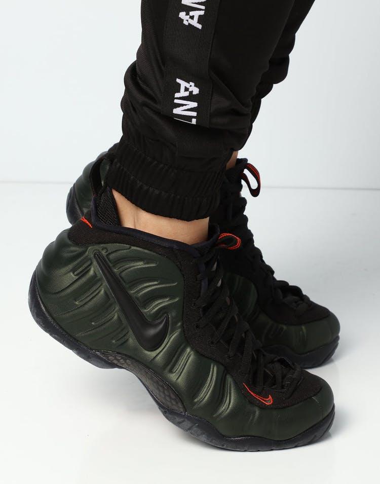 premium selection cf4ec 5de26 Nike Air Foamposite Pro Olive/Black/Orange
