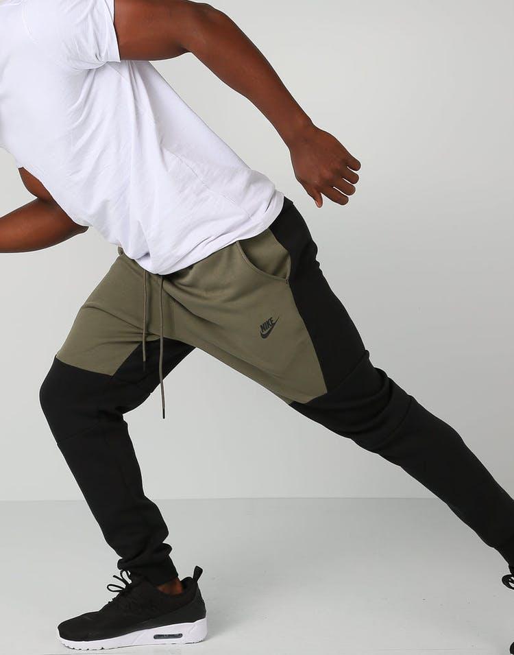 get cheap newest cute Nike Sportswear Tech Fleece Jogger Black/Khaki