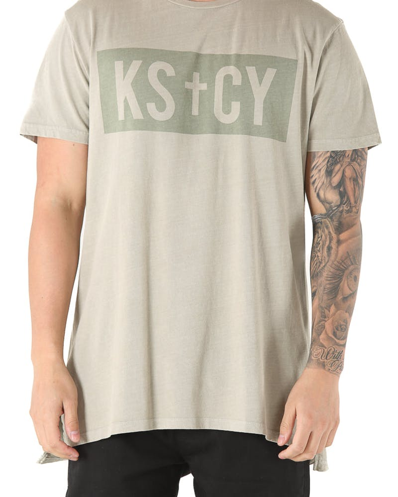 Kiss Chacey Reverend Tall Tee Stone