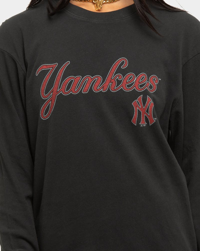 Majestic Athletic Women's New York Yankees Vintage Team Long Sleeve T-Shirt Black